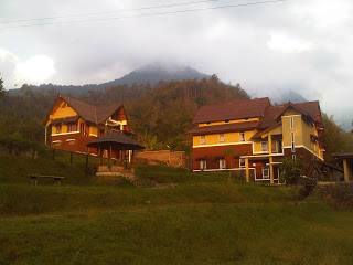 Pelesiran Gunung Puntang Terletak Desa Cempaka Mulya Kec Cimaung Banjaran