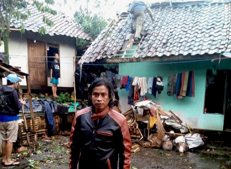 Puting Beliung Terjang 300 Rumah Desa Cempaka Mulya Taman Kab
