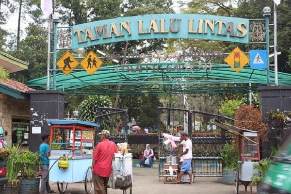 46 Tempat Wisata Bandung Murah Meriah Tak Membosankan Taman Lintas