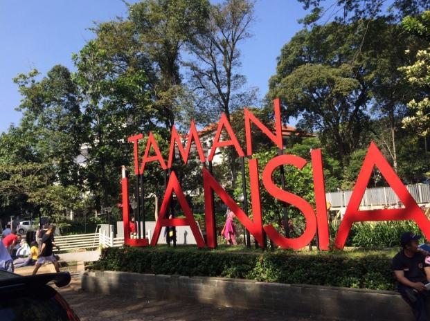 50 Tempat Wisata Bandung Ngangenin Pisan Dijamin Keren Taman Lansia