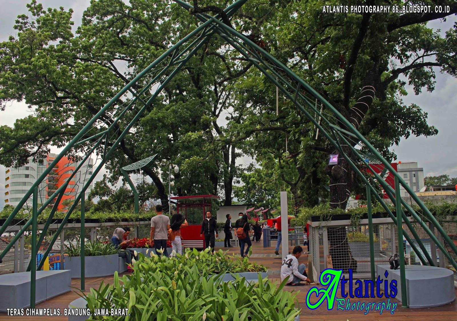 Atlantis Photography Krui Teras Cihampelas Bandung Sorotan Taman Layang Gantung
