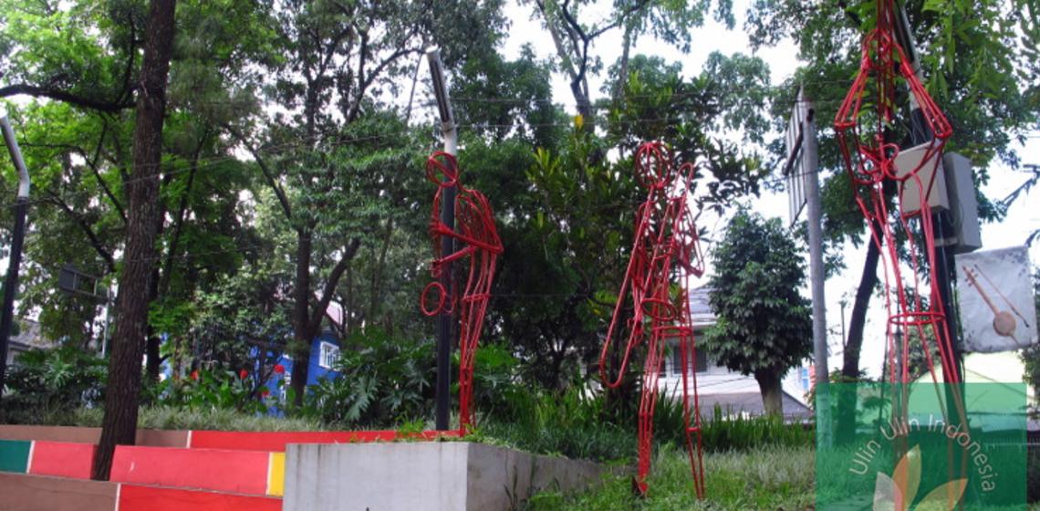 Taman Bandung Wajib Kunjungi Ulinulin Kian Mempersolek Diri Sebagai Salah