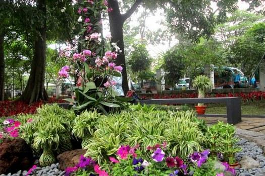 Taman Pustaka Bunga Kandaga Puspa Bandung Petatempatwisata Lansia Kab