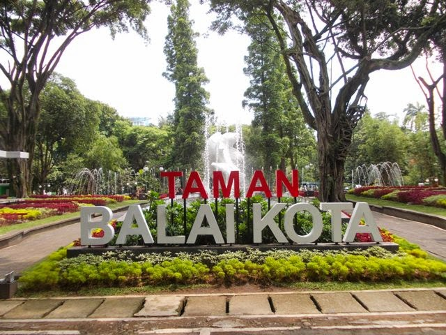 Wangi Hujan Taman Balai Kota Siapa Cinta Bandung Lansia Kab