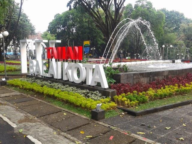 Wisata 11 Taman Kota Kembang Bandung Pakar Nusantara Pun Menyebrang