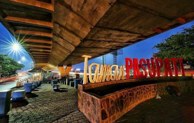 36 Tempat Wisata Bandung Wajib Dikunjungi Taman Pasupati Jawa Barat