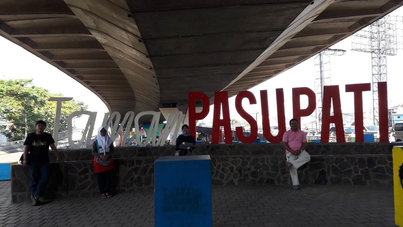 Jelajah Indonesia Maret 2017 Salah Satu Taman Kota Bandung Pasupati