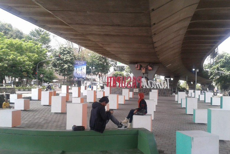 Pas Banget Taman Jomblo Bandung Avi Detiktravel Pasupati Kab