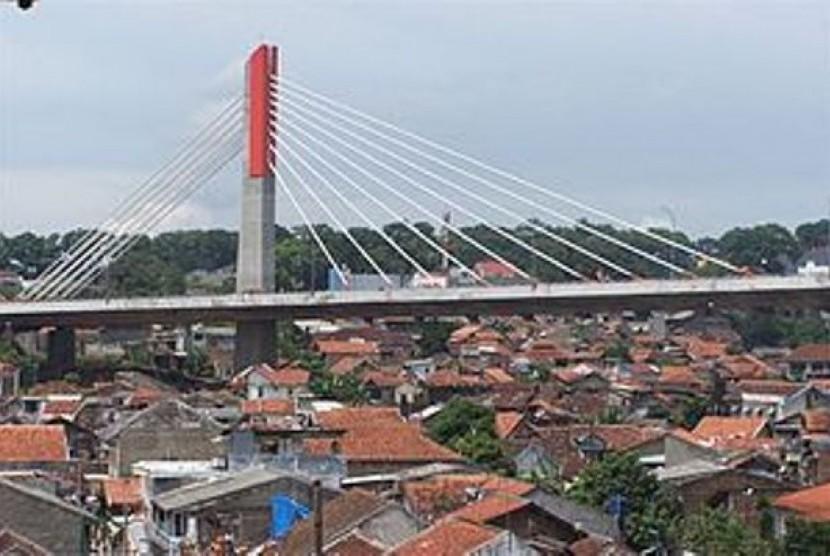 Pemkot Bandung Diminta Perhatikan Warga Bawah Jalan Layang Jembatan Pasupati