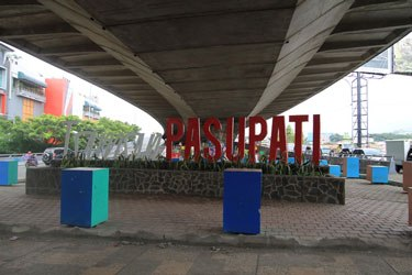 Taman Pasupati Kota Wisata Bandung Jpg Kab