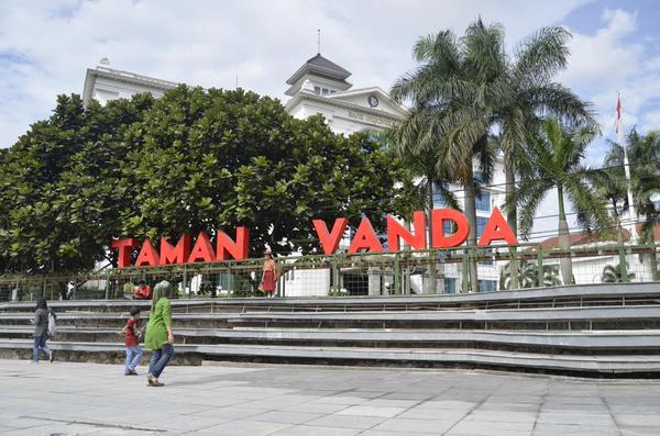 Wisata 11 Taman Kota Kembang Bandung Pakar Nusantara Tak Jauh