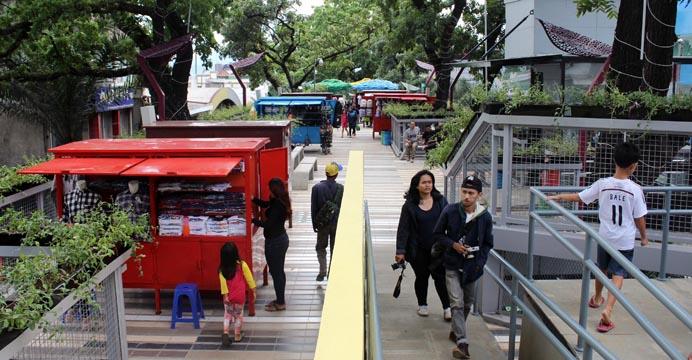 Keren Teras Cihampelas Bandung Jadi Skywalk Pedestrian Terpanjang Se Asean