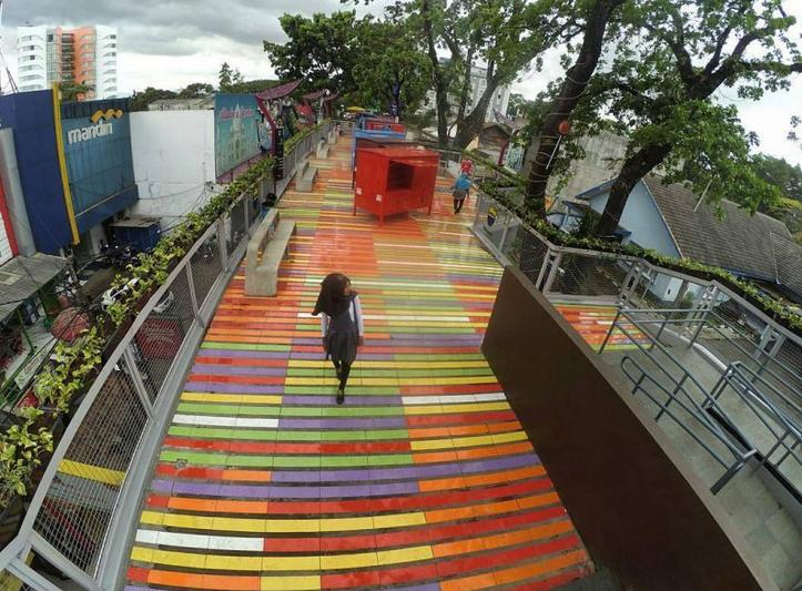 Skywalk Cihampelas Bandung Jadi Kandidat Destinasi Wisata Terpopuler Pembangunan Teras