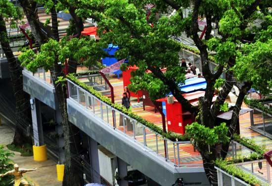 Skywalk Teras Cihampelas Bandung Unik Populer Tempat Wisata Kab
