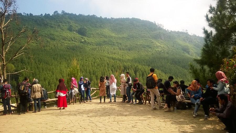 Jam Operasional Buka Tutup Lodge Maribaya Bandung Pemandangan Pemandanganvia Urbandung
