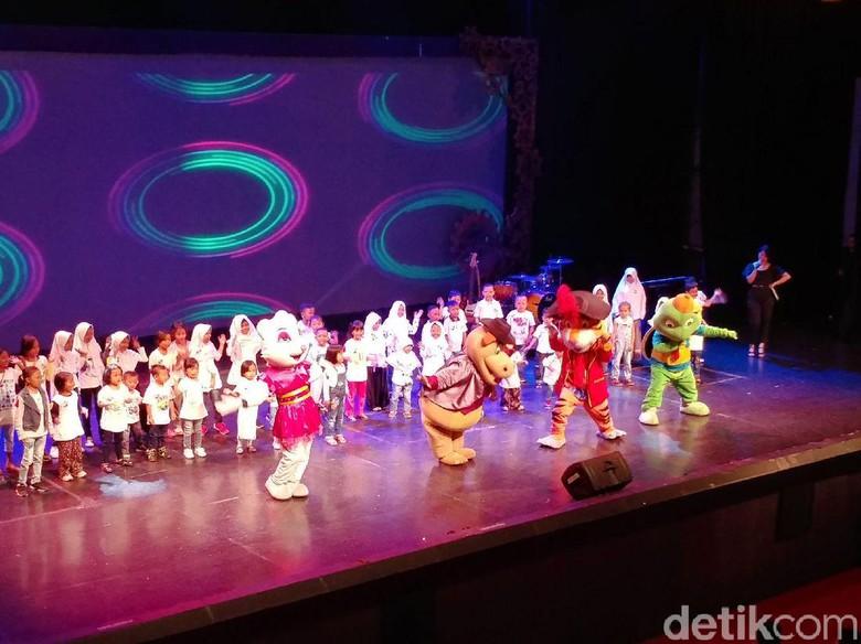Anak Penyandang Talasemia Bergembira Trans Studio Bandung Kab