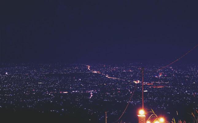 Bukit Bintang Bandung Menikmati Romantisme Puncak Paris Van Java Malam