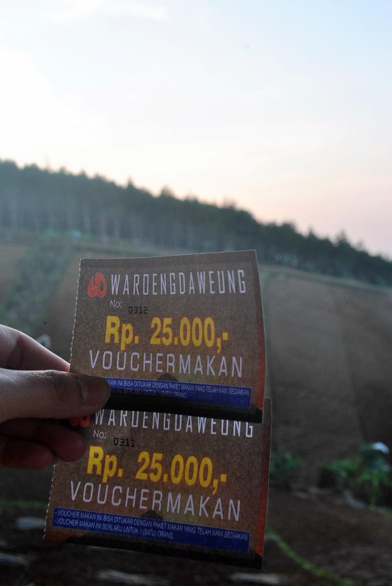Fighting Naik Puncak Bintang Bukit Moko Bandung Pagi Laper Jadi