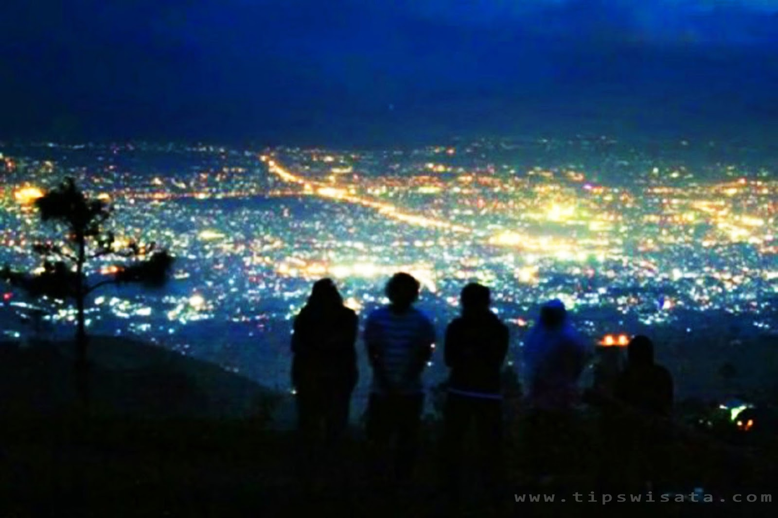 Panorama Wisata Bukit Moko Warung Daweung Cimenyan Bandung Pemandangan Malam