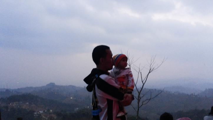 Puncak Bintang Bukit Moko Bandung Jendelakeluarga Alamat Warung Daweung Kab