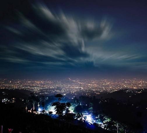 Puncak Bintang Malam Romantis Paris Van Java Warung Daweung Bukit