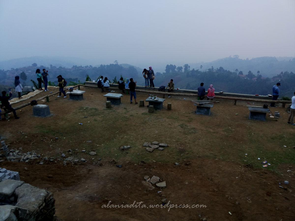 Tempat Wisata Bukit Moko Bandung Empat Jam Lamanya Bawah Kita
