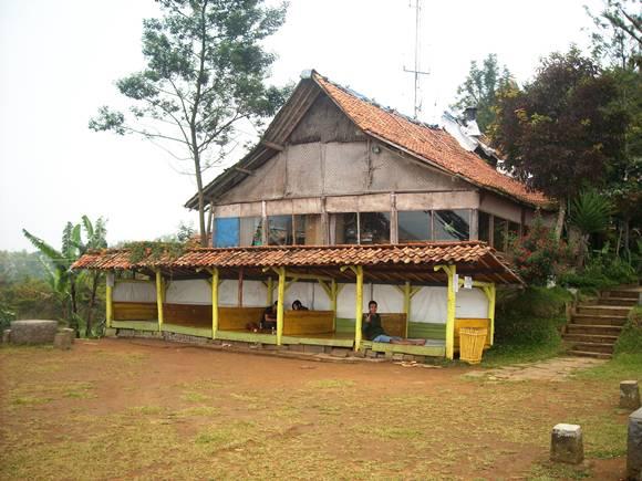 Wisata Bandung Bukit Moko Warung Daweung Saung Bintang Kab