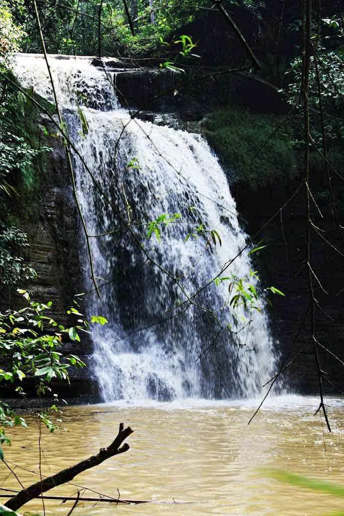 3 Air Terjun Madura Sungguh Menakjub Mata Batu Raja Manitan