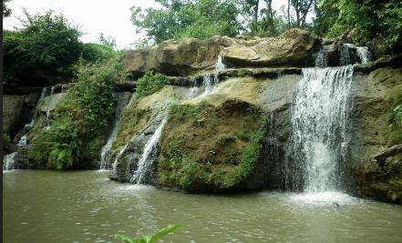Inilah 5 Air Terjun Ngehits Pulau Madura Travel Jaya Berada