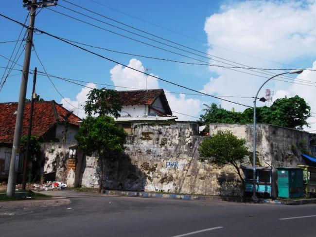 Benteng Pertahanan Erfprins Warisan Kolonial Belanda Kab Bangkalan