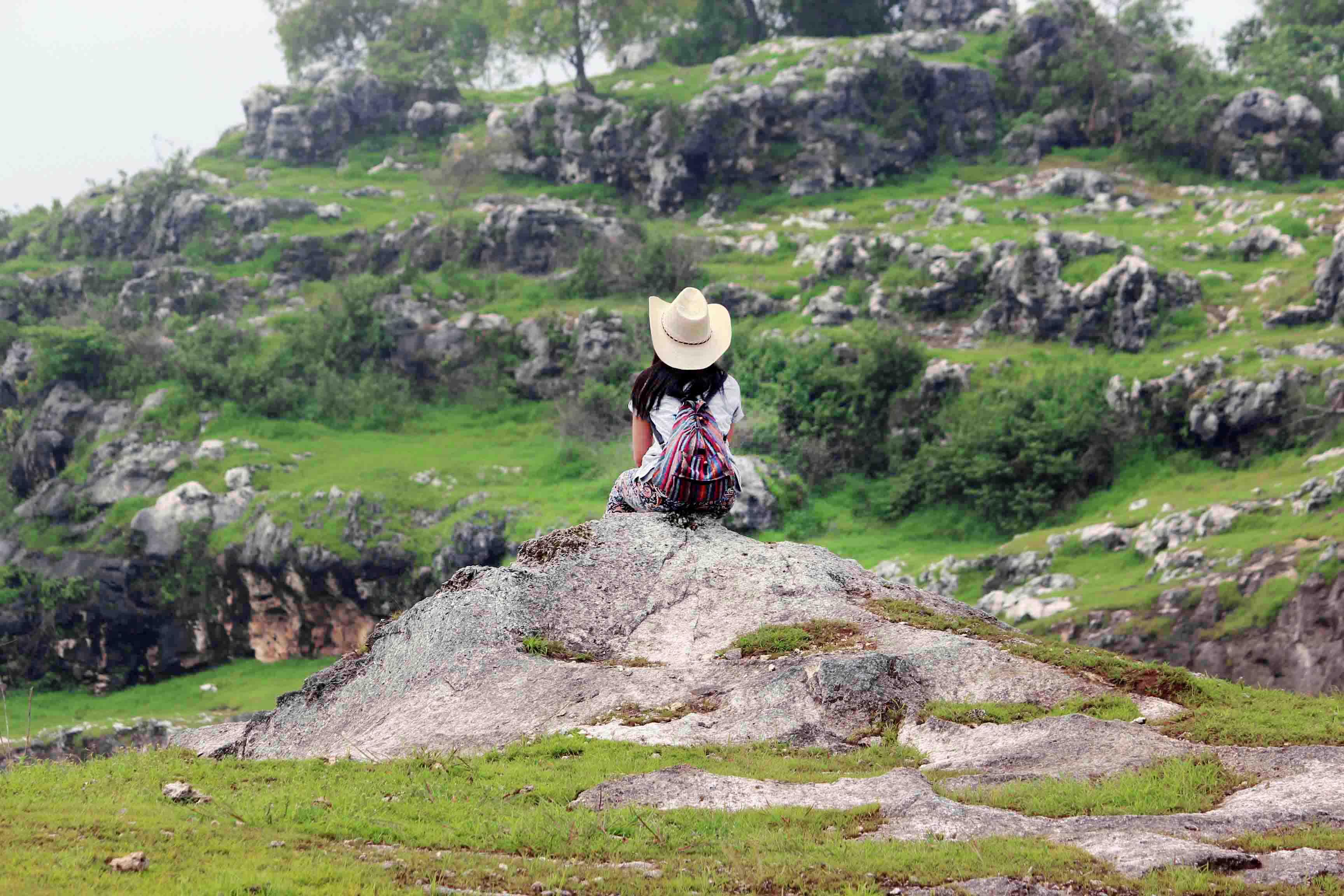 Bukit Jaddih Ketika Luka Alam Berubah Menjadi Tempat Wisata Liburmulu