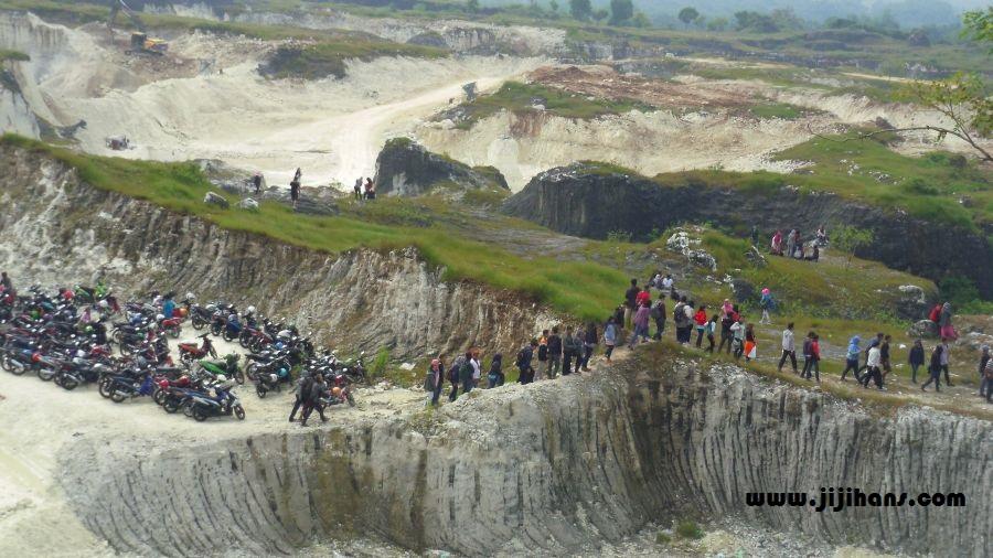 Champs 2015 Wisata Eksploitasi Gunung Kapur Jaddih Bangkalan Madura Terlihat