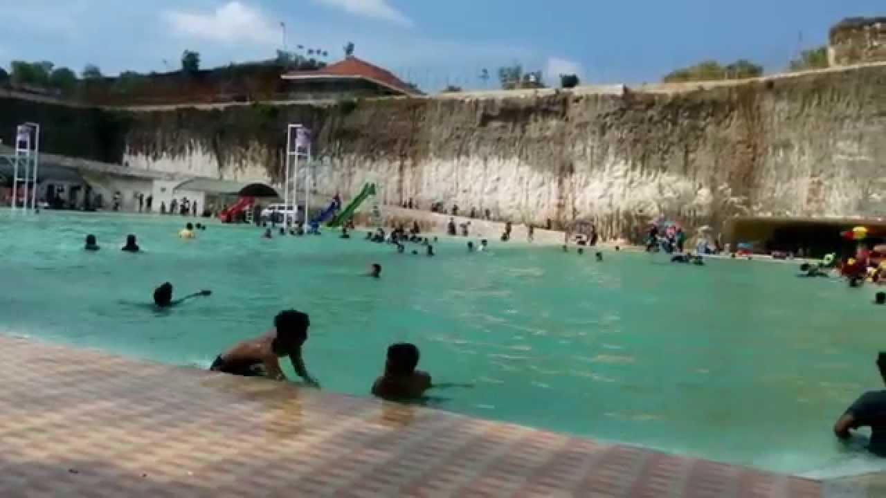 Kolam Renang Terbesar Aeng Guweh Pote Jaddih Bangkalan Youtube Bukit