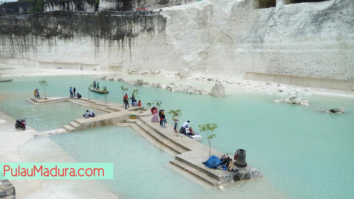Obyek Wisata Danau Biru Bukit Jaddih Socah Kabupaten Bangkalan Sendiri