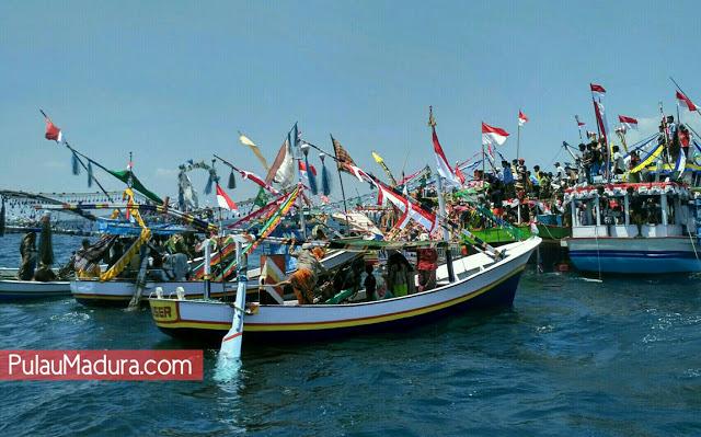 Gerbang Pulau Madura Mandangin Kabupaten Sampang Hari Selasa Tanggal 10