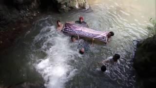 Gerbang Pulau Madura Viyoutube Merasakan Kesegaran Mandi Air Terjun Mini