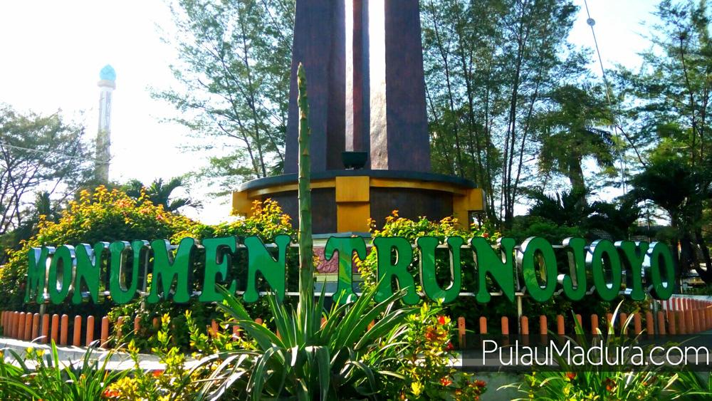 Obyek Wisata Monumen Trunojoyo Kabupaten Sampang Gerbang Pulau Meskipun Memiliki
