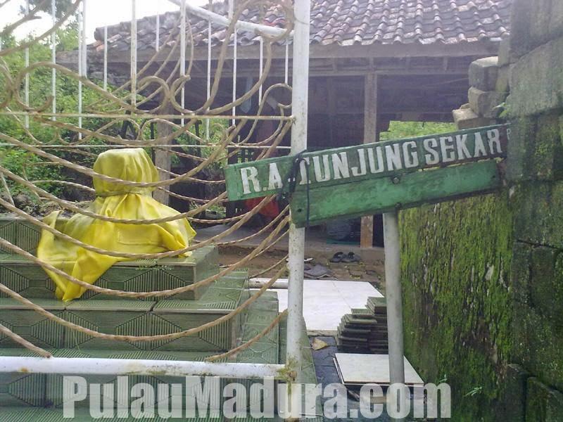 Sejarah Gunung Geger Bangkalan Pulau Madura 3 Gerbang Makam Tunjung
