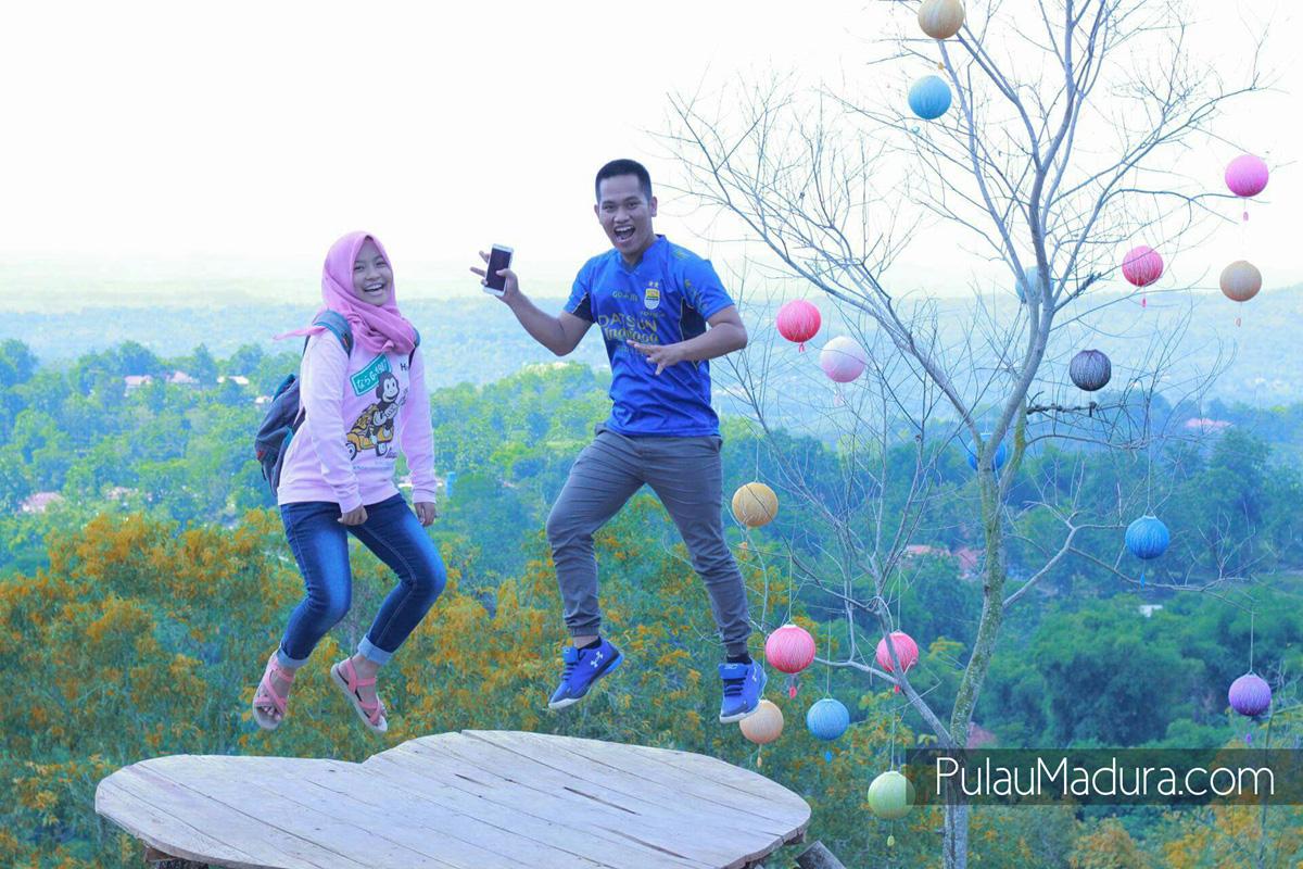 Wisata Alam Bukit Lampion Beramah Galis Bangkalan Gerbang Sekitar Kabupaten
