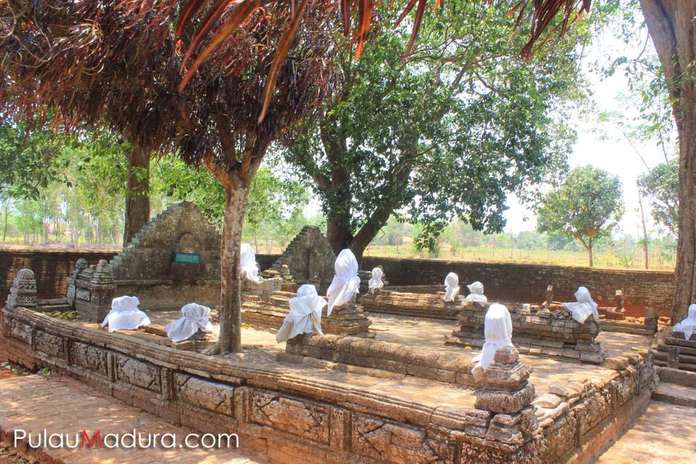 Wisata Sejarah Makam Agung Arosbaya Bangkalan Gerbang Pulau Madura Kompleks