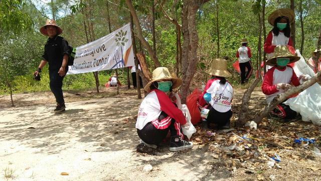 Operasi Semut Bersihkan Sampah Habitat Mangrove Regional Labuhan Kab Bangkalan
