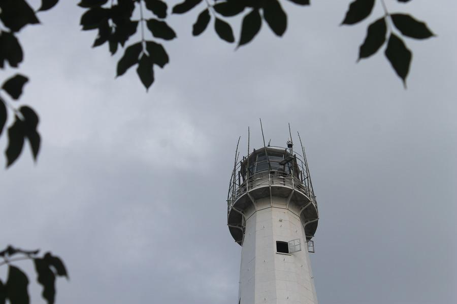 Berwisata Mercusuar Peninggalan Belanda Bangkalan Bocah Puncak Kab