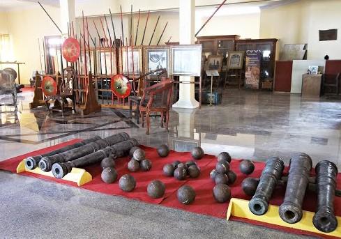Pesona Keindahan Wisata Museum Cakraningrat Bangkalan Daftar Satu Ruangan Tersebut