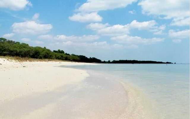 Pantai Madura Wajib Kunjungi Maneron Kab Bangkalan
