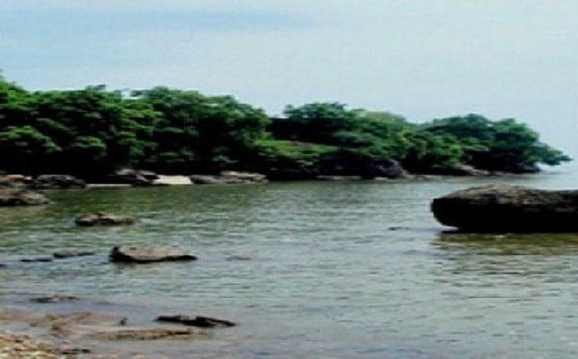 11 Pesona Wisata Alam Kuliner Bangkalan Madura Menggoda Pantai Rongkang