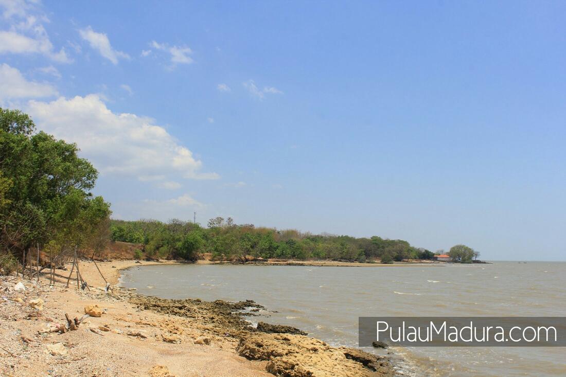 Obyek Wisata Pantai Rongkang Kwanyar Bangkalan Gerbang Pulau Kab