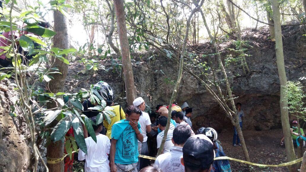 Sepasang Mayat Temukan Pantai Rongkang Kondisi Busuk Lingkarjatim Kab Bangkalan
