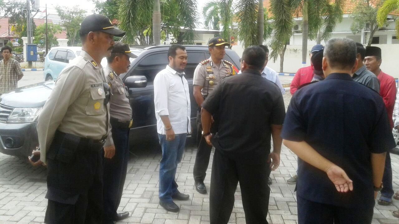 Sidang Kasus Pembunuhan Pantai Rongkang Dibanjiri Warga Banyubesi Ketiganya Desa