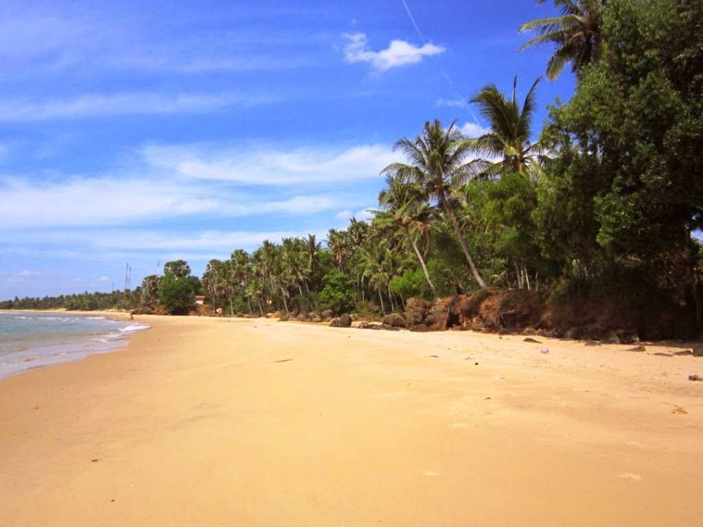 Tempat Wisata Bagus Terkenal Pulau Madura Pantai Rongkang Kab Bangkalan