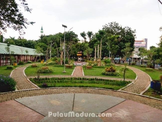 Indahnya Taman Paseban Kota Bangkalan Gerbang Pulau Madura Pemandangan Disekitar